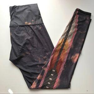 Teeki sacred feather legging hot pants Sz large